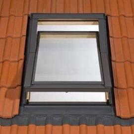 Покривен прозорец RoofLITE (78x98см) естествено дърво