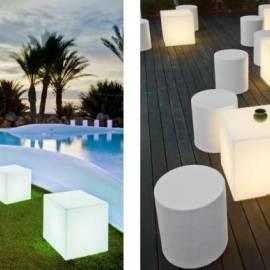 Градинска лампа - светещ куб