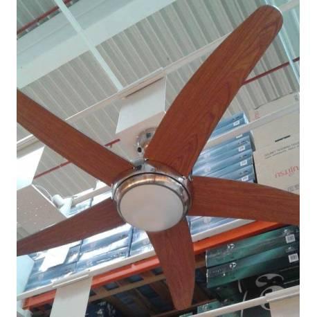 Вентилатор - 5 перки, осветление - 132см