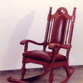 Люлеещ стол - Владимир